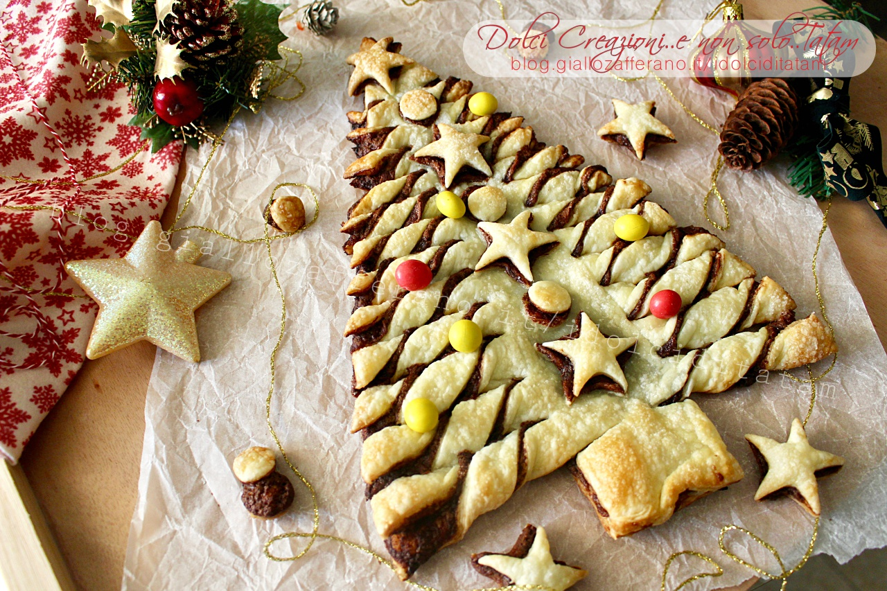Albero di Natale di sfoglia e nutella