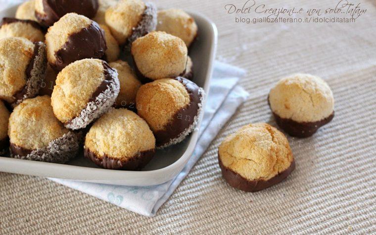 Palline al cocco e cioccolato, senza farina e senza lievito. Video ricetta