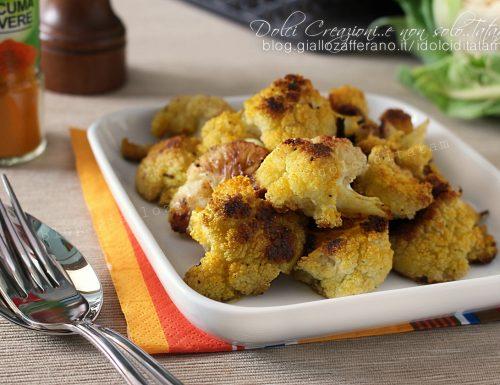 Cavolfiore al forno alla curcuma, ricetta salutare e semplice da realizzare.