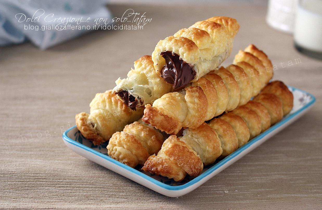 Cannoli di pasta sfoglia e nutella