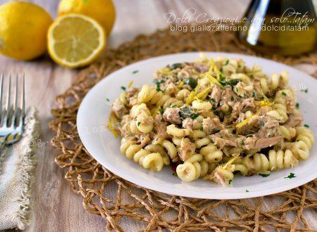 Pasta con tonno al limone e capperi, pronta in 10 minuti!