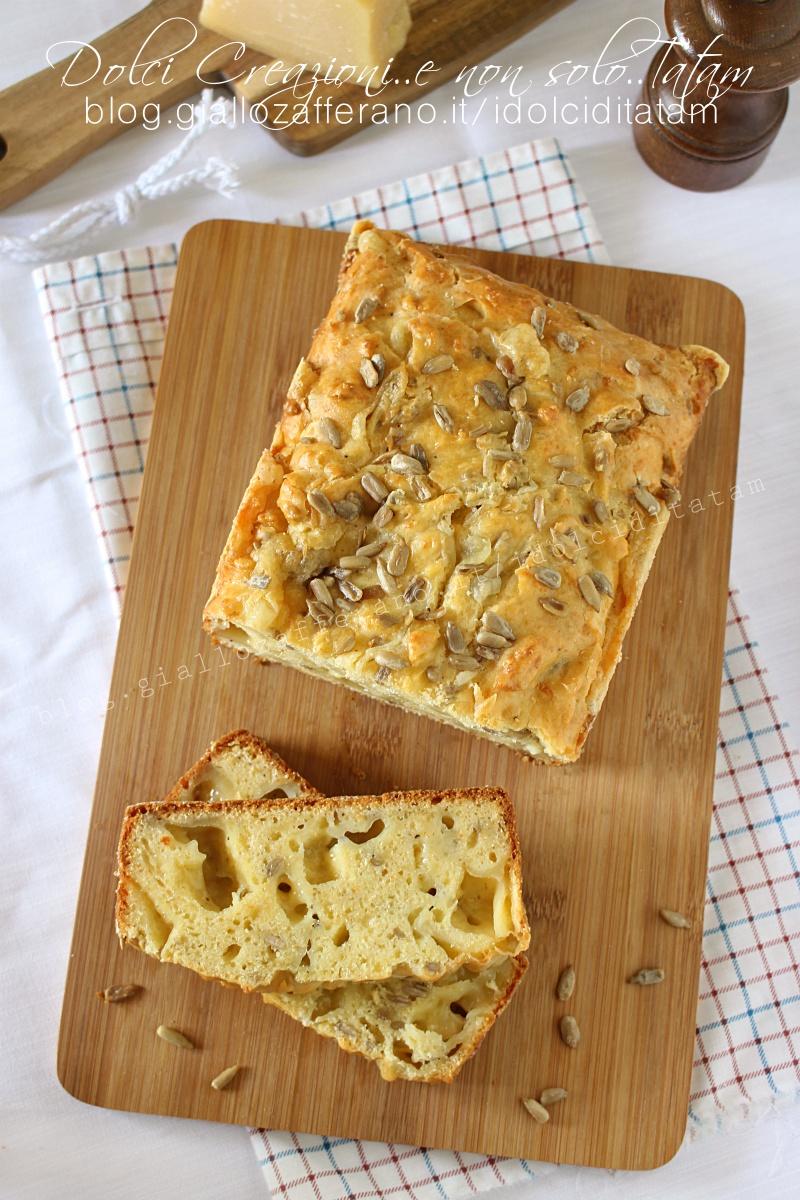 Plumcake salato rustico ai formaggi