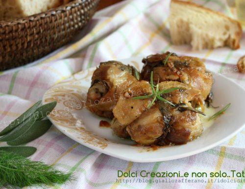 Involtini di pollo con pancetta, cotti in padella