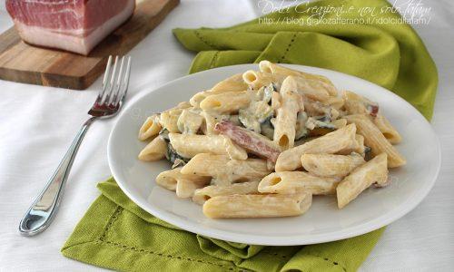 Pasta speck e zucchine cremosa, senza panna, pronta in pochi minuti!
