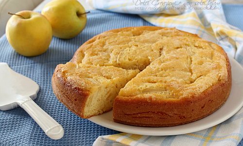 Torta di mele con yogurt, umida, cremosa e facilissima!