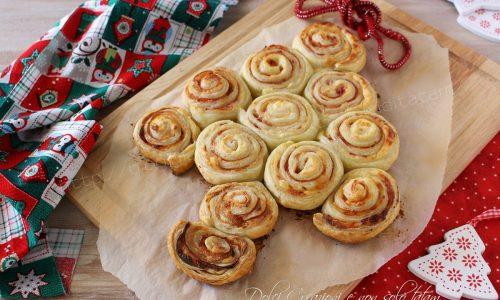 Albero di pasta sfoglia salato, antipasto per Natale. Con video ricetta