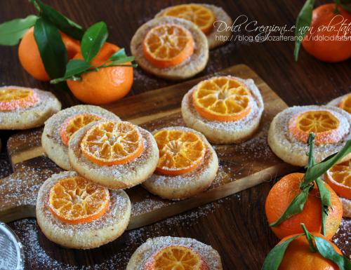 Biscotti alle mandorle e clementine, profumate all'arancia. Dolci per Natale