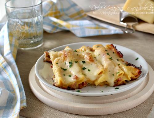 Cannelloni ripieni con prosciutto e formaggio, al forno