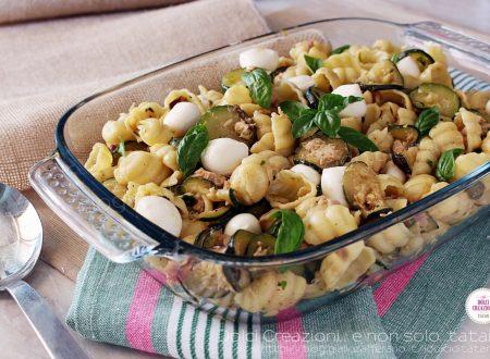 Pasta fredda con tonno, zucchine trifolate e mozzarelline