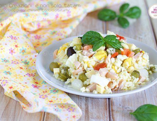Insalata di riso ricetta veloce, con uova sode e sottaceti