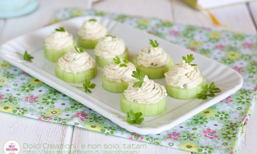 Cetrioli con crema al tonno e mascarpone, finger food pronto in 5 minuti.
