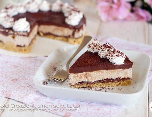 Cheesecake fredda al caffe' e cioccolato, senza cottura e senza colla di pesce