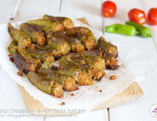 Peperoni verdi Friggitelli ripieni vegetariani al forno
