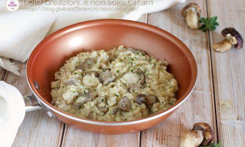 Risotto salsiccia e funghi porcini freschi, cremoso e confortevole