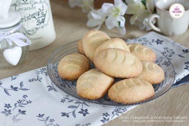 Biscotti ricetta senza uova e senza lievito, friabili e gustosi.
