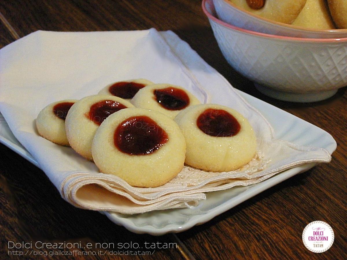 Biscotti di frolla e confettura