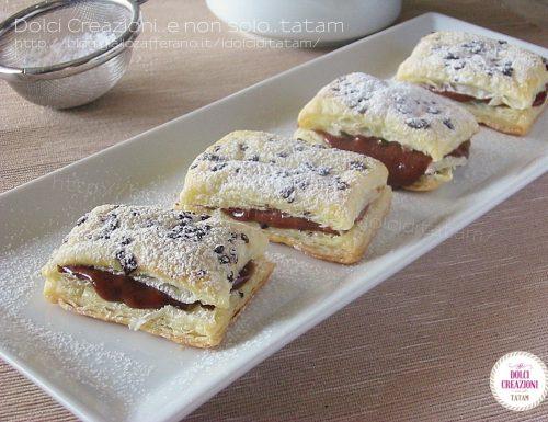Dolcetti di pasta sfoglia e crema pasticciera alla nutella