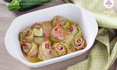 Involtini di zucchine al forno gratinati, con cotto e asiago