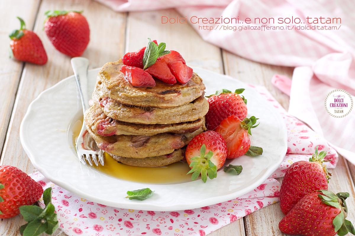 Pancakes senza glutine alle fragole