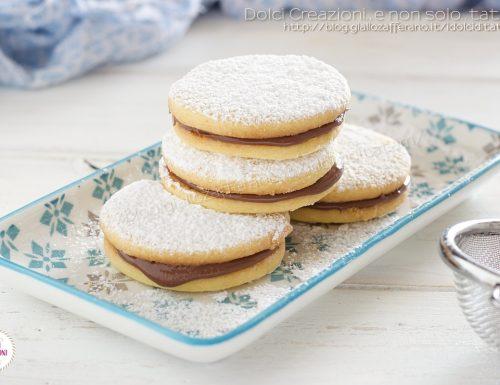Biscotti farciti alla nutella, con frolla ai tuorli sodi