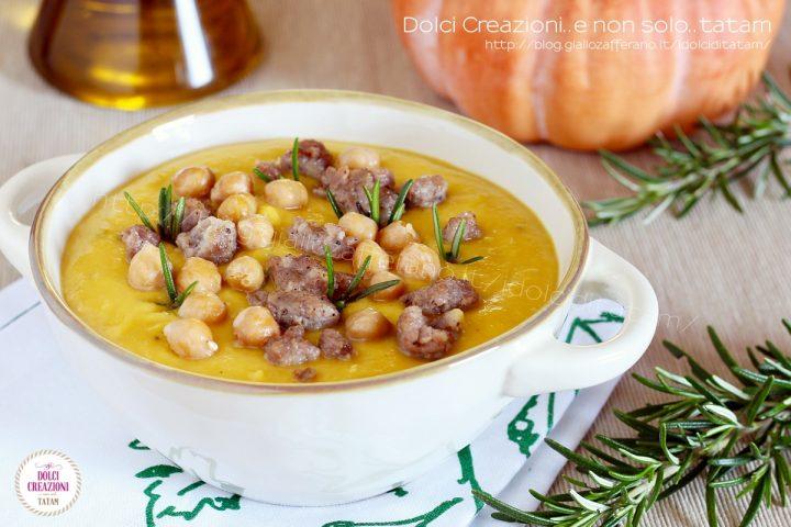 Zuppa alla zucca con ceci e salsiccia