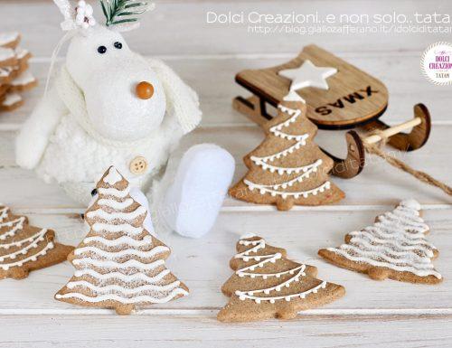 Biscotti Alberelli di Natale alla cannella