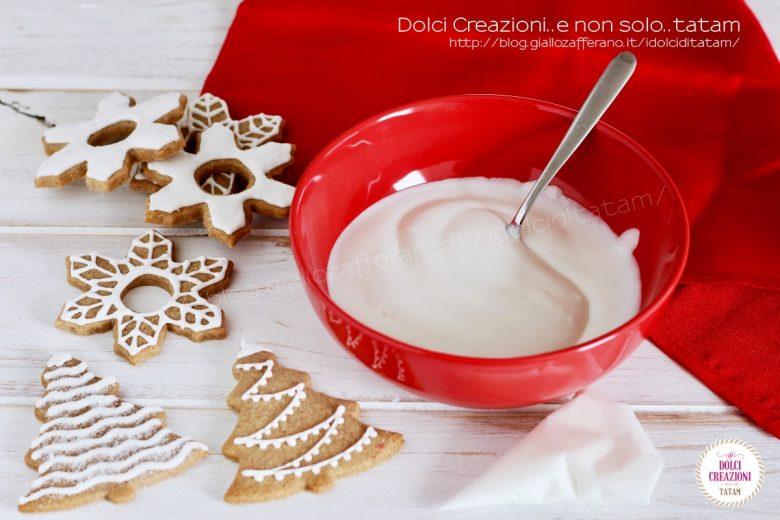 Ghiaccia reale per decorare i biscotti