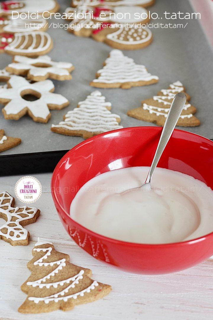 Ghiaccia reale per decorare biscotti