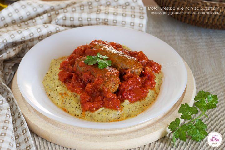 Polenta taragna con salsicce al sugo