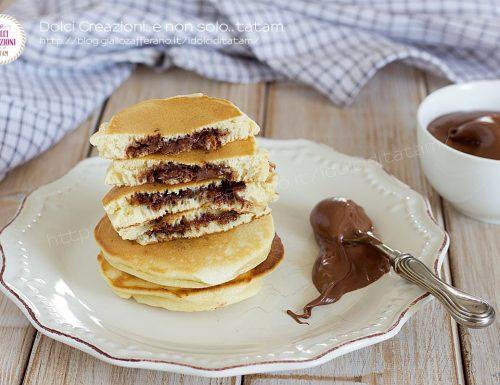Pancakes ripieni alla nutella, farciti durante la cottura in padella
