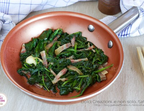 Spinaci in padella e pancetta