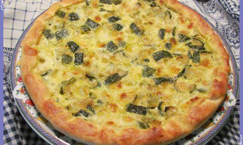 Torta salata alle zucchine e mozzarella