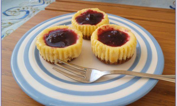 Mini cheesecakes cioccolato bianco e mirtilli
