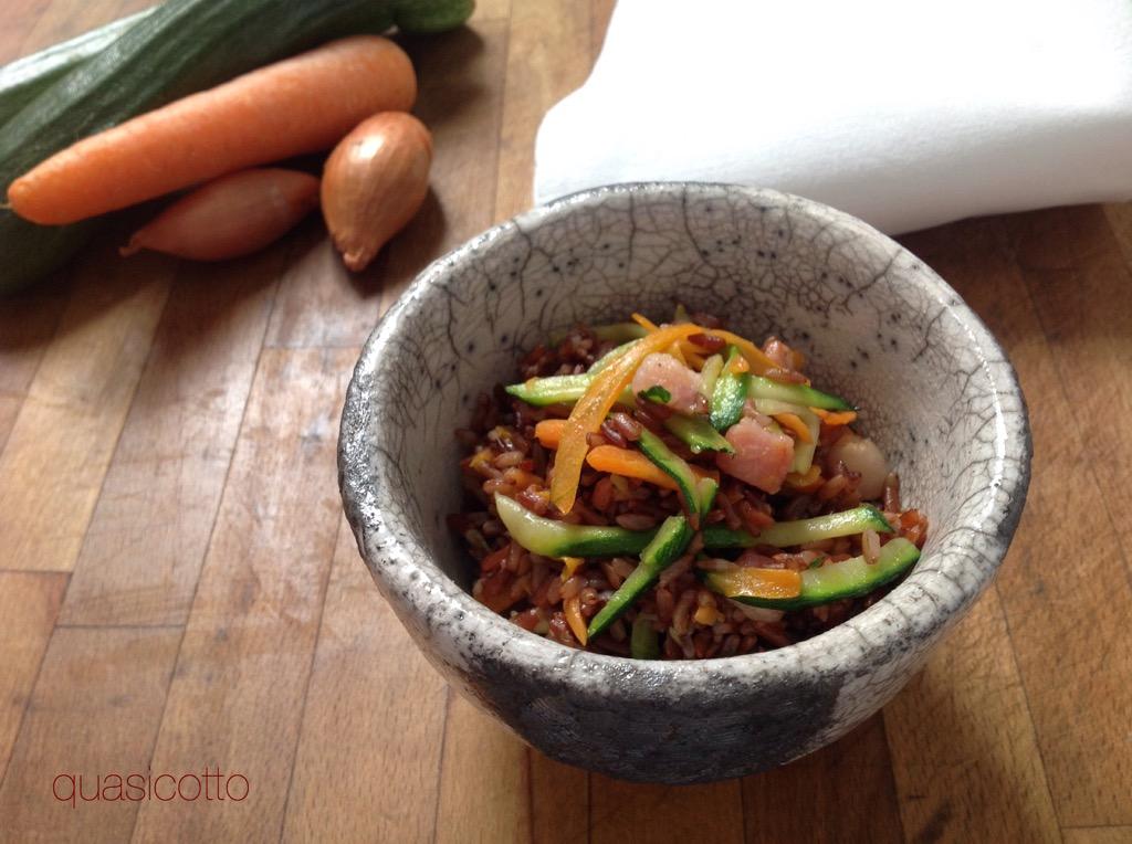 Riso saltato con verdure e pancetta