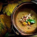 Zuppa di legumi e castagne con il pollo