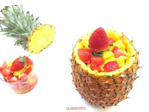 Ananas con fragole alla creola
