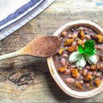 Zuppa di legumi con chenelle di ricotta