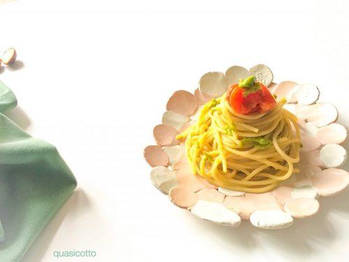 Spaghetti cremosi al pomodoro e avocado