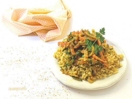 Riso integrale al curry con verdure