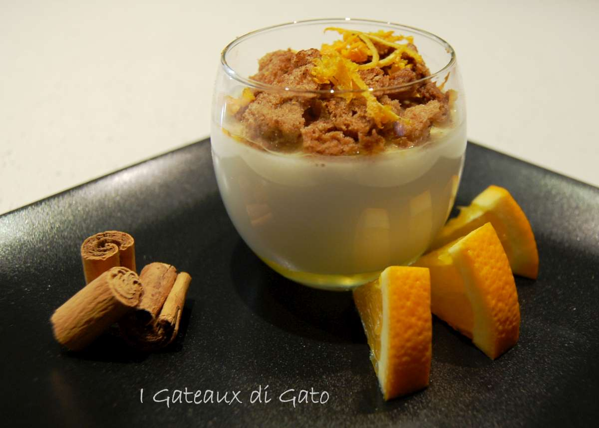 chantilly di panna cotta con streusel alla cannella
