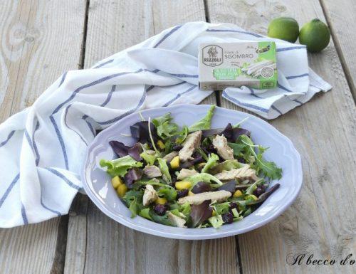 Sgombro in insalata con mango e mirtilli