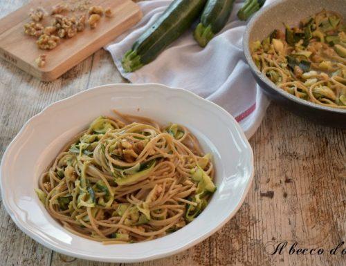 Spaghetti con zucchine e noci