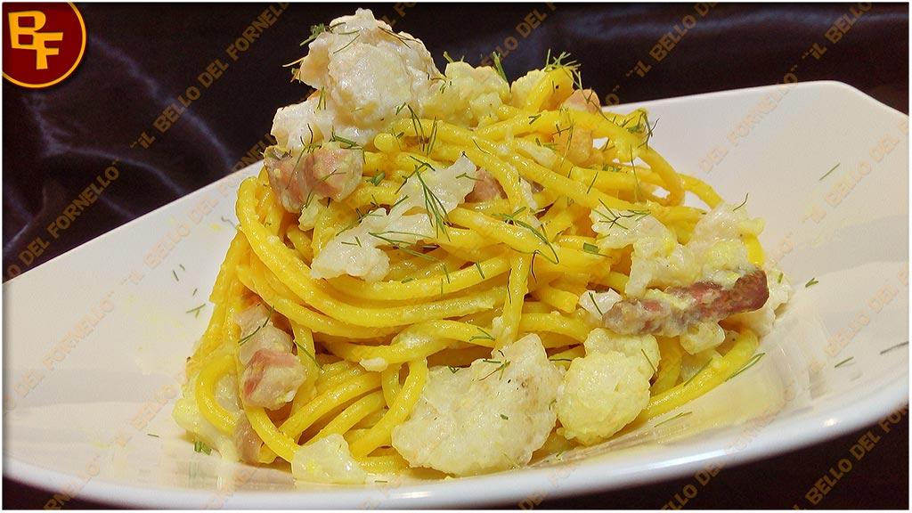 Spaghetti con cavolfiore bianco e pancetta al profumo di finocchio 01