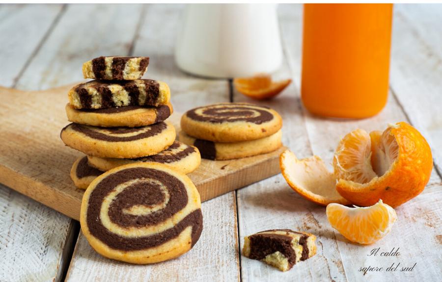 Biscotti girandola al cioccolato e mandarino