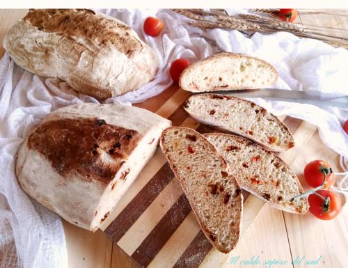 Pane di semola ai pomodori secchi