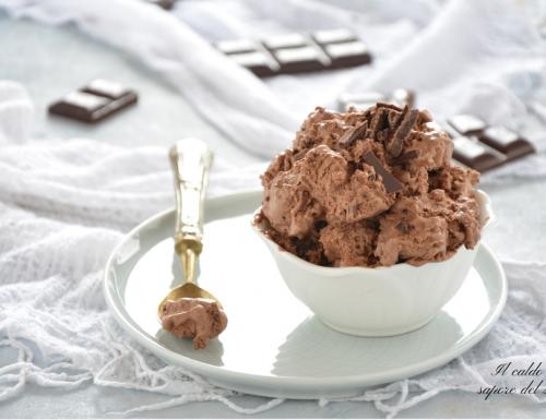 Gelato al cioccolato fondente senza gelatiera