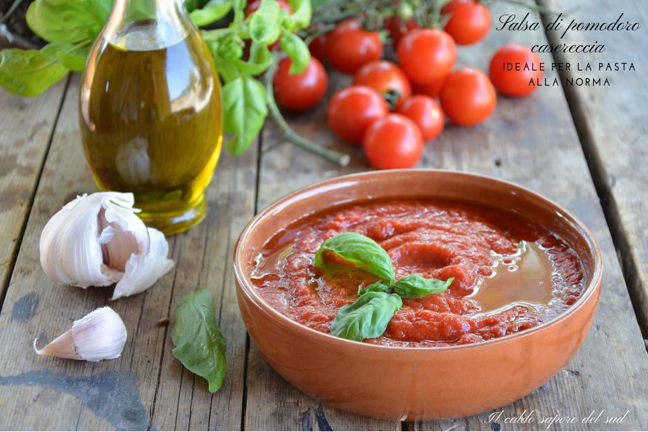Salsa di pomodoro casereccia ideale per la pasta Norma