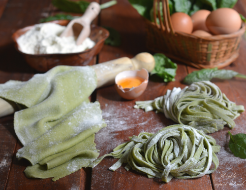 Pasta fresca all'uovo con spinaci