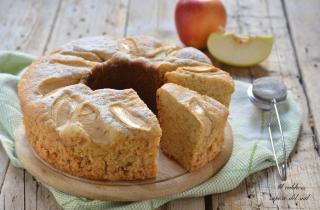 Torta di mele allo yogurt cottura nel Versilia
