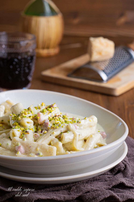 Pasta al pistacchio ricetta siciliana